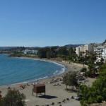 Estepona tiene 17 km de playa. Aquí vemos la Playa del Cristo.